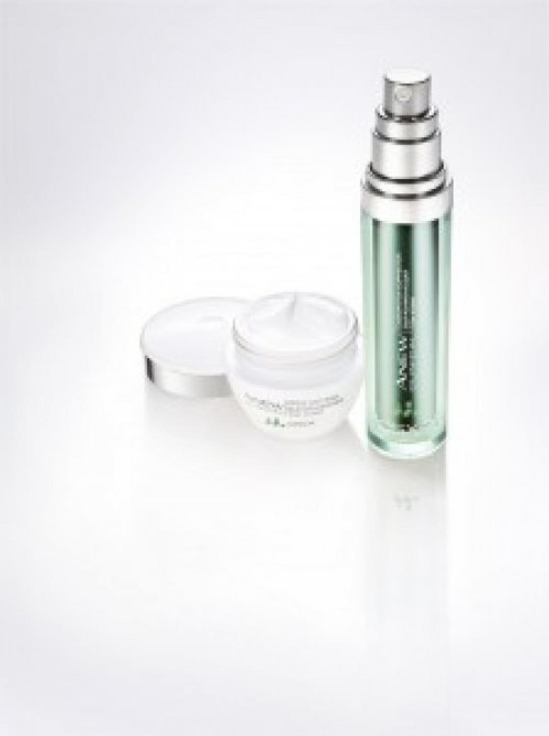 Titulka pro: Anew Clinical Absolute Even